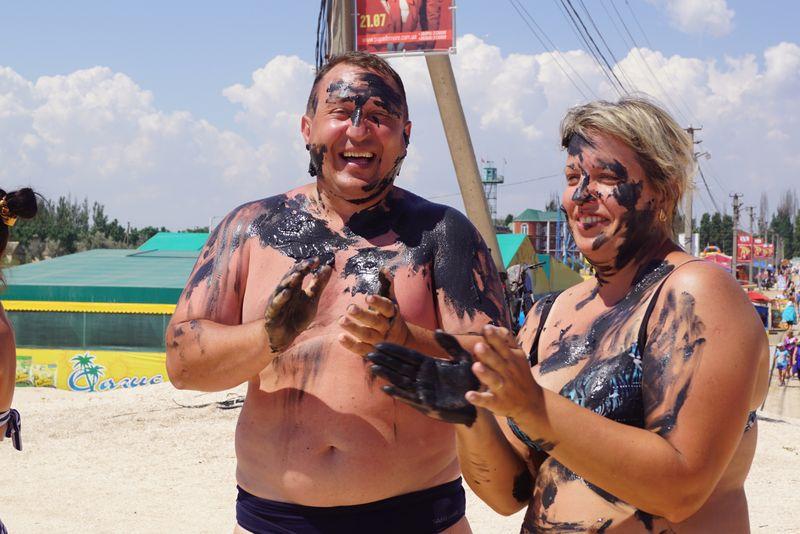 На Дне рыбака в Счастливцево угощали ухой и награждали походом в цирк